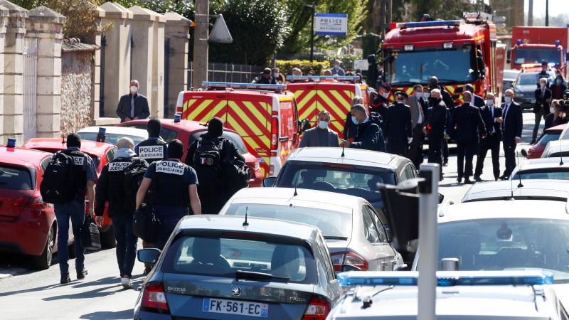 Францияда полиция қызметкерін жұмыс орнында өлтіріп кетті 1