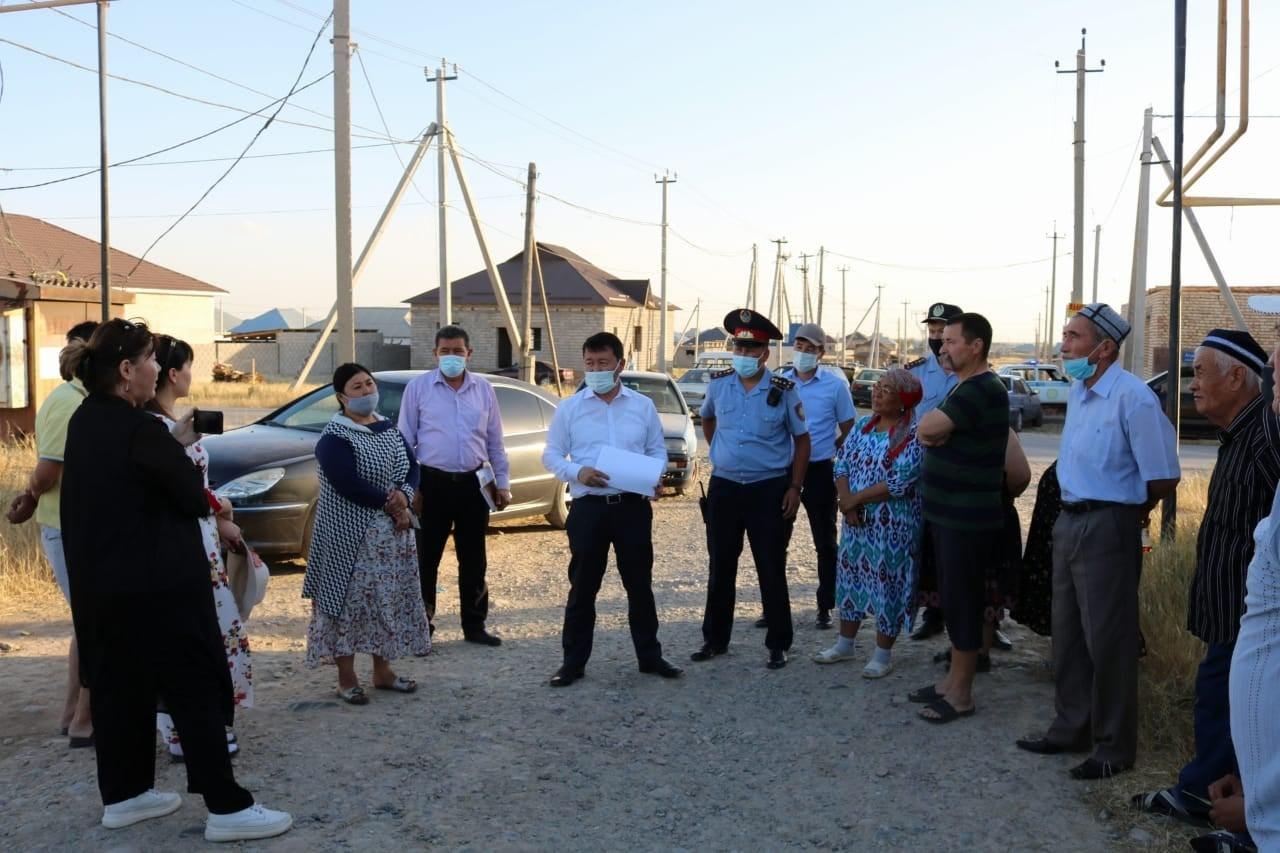 Шымкент: аудан әкімі «Асар-2» шағынауданы тұрғындарымен кездесті 1