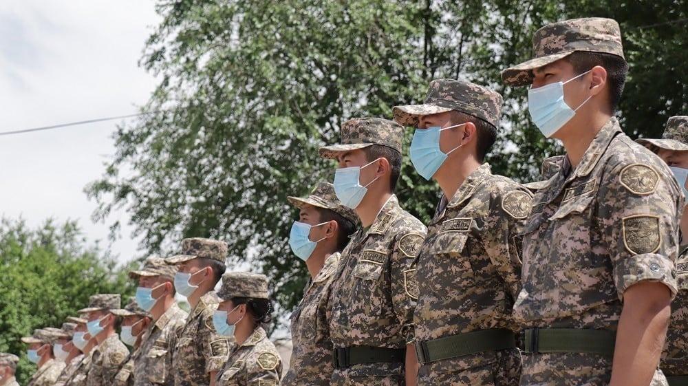 Шымкентте әскери оқу орындарының курсанттары өздерін офицер рөлінде сынап көруде 1