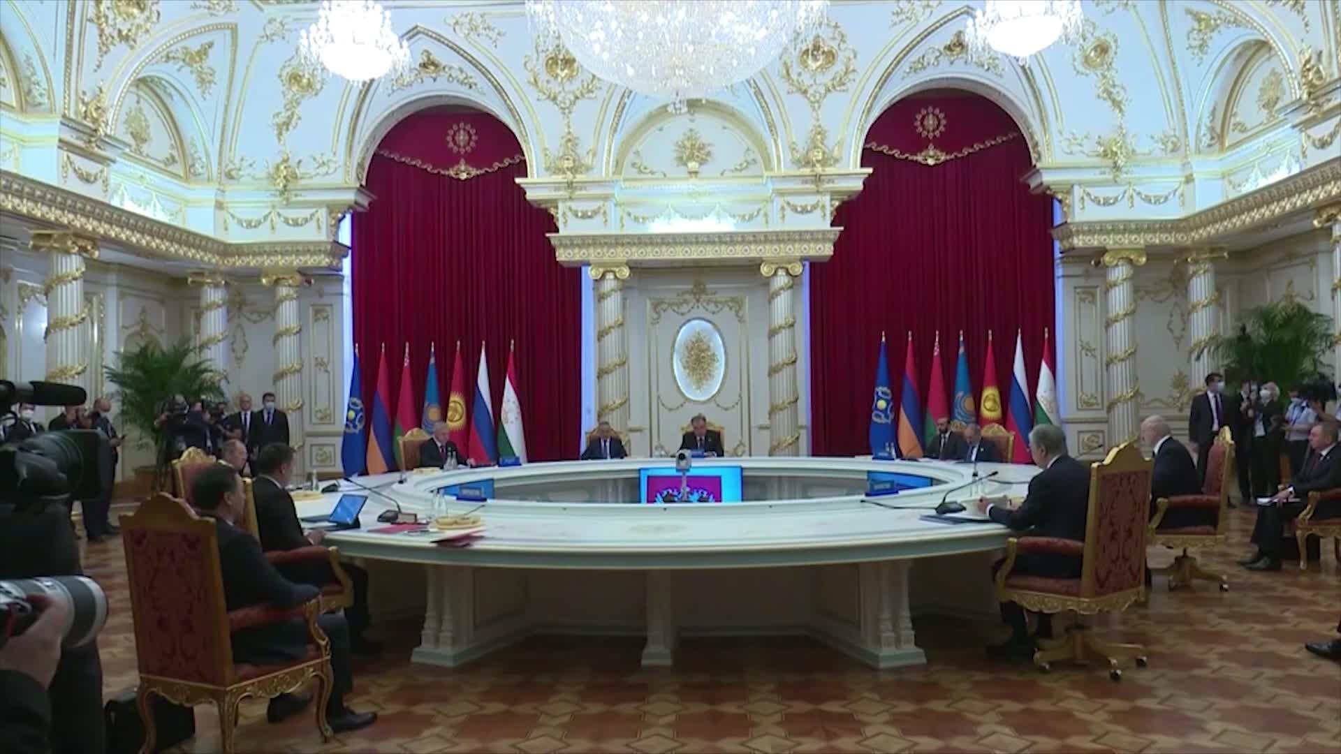 Президент ұжымдық қауіпсіздік кеңесінің сессиясына қатысты 1